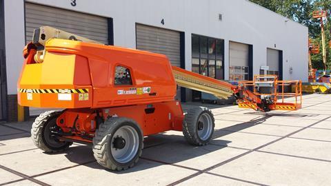 Xe nâng người Boom Lift chạy điện JLG